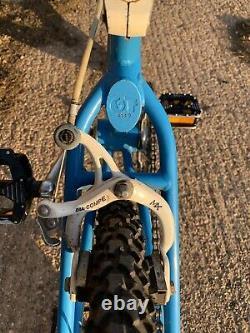 Old school bmx GT Pro Series 1985 Araya Aero Wheels Vintage Bmx 1980s GT Blue