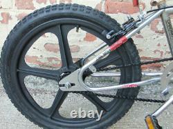 Vintage 1984 Diamondback Viper BMX, Freestyle Bicycle, Old School Loop Tail