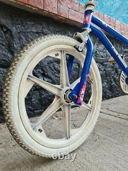 Bmx Retro Bike Old School Gt Performer 1988 Bleu Et Rose Rare